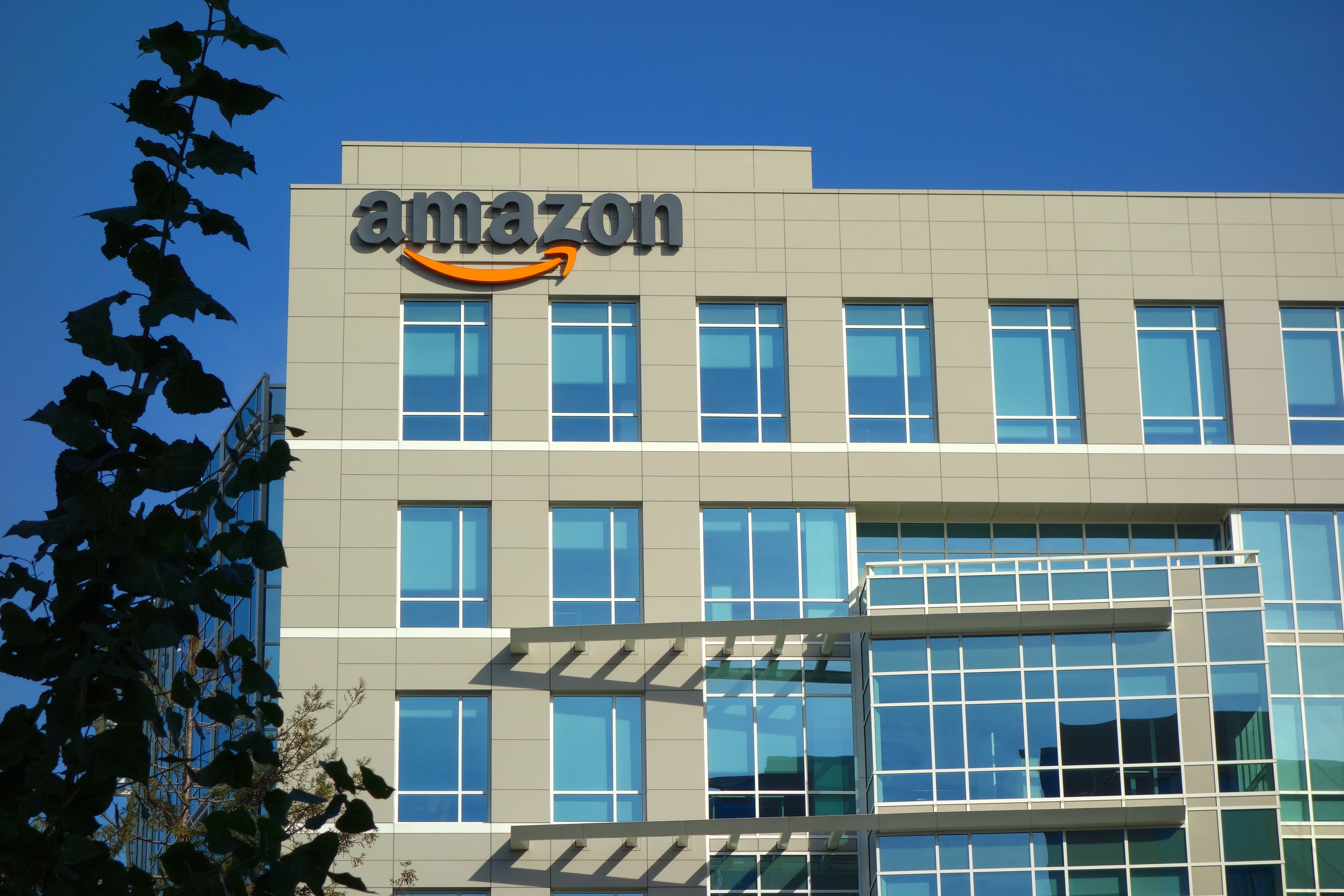 Amazon practices Inbound Marketing by working hard, making history, and having fun.